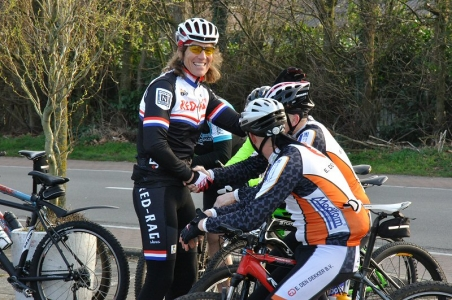 LEDEN VOOR LEDEN: donderdag 27 september, Mountainbike clinic onder leiding van Enrico Theuns!